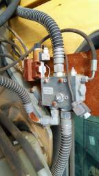 Valvula hidraulica para linha de martelo Volvo EC210