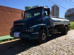 Caminhão-pipa 1318 2009 Eletrônico