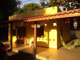 Alugo linda casa ampla, em grande terreno, na Vila Imbassaí! Mobiliada!