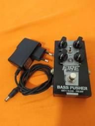 Pedal Fire Bass Pusher + fonte.