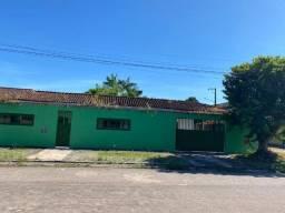 Casa no Julio Sefer, 3/4 sendo 01 suíte, muito ventilada, garagens