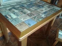 Mesa madeira nobre + 4 bancos