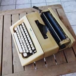 Não perca tempo ela pode ser sua Maquina de datilografia antiga - antiguidade