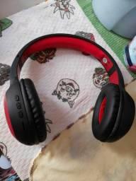 Fone de ouvido via Bluetooth tá semi novo valor 80 reais