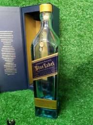 Garrafa vazia de Blue label com caixa