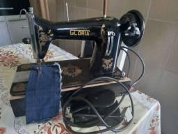Título do anúncio: Maquina de costura gloria