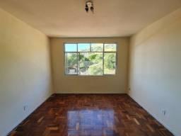 Apartamento 2 Quartos C/ Dependência de Empregada e Garagem - em Icaraí