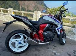 moto cb1000r