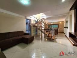 Casa com 4 quartos, quintal amplo, Condomínio Bosque dos Ipês na Serra