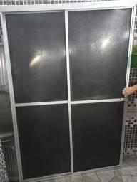 Box para banheiro em acrílico medindo 1,20m X 1,80m.