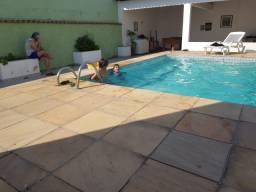 Aluguel pra temporada de casa em Camboinhas: valor $ 1.000,00 reais a diária