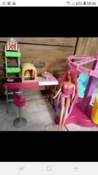 Pizzaria da Barbie com gira gira de brinde