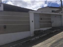 Casa com 3 dormitórios à venda por R$ 300.000,00 - Heliópolis - Garanhuns/PE