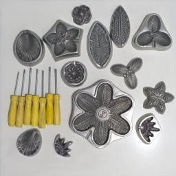 Título do anúncio: Frisador Alumínio Kit Flores com 7 Peças Moldes Flores Eva<br><br>