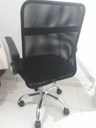 Cadeira de escritório novinha