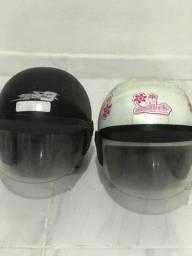 Vendo dois capacetes em perfeitas condições.
