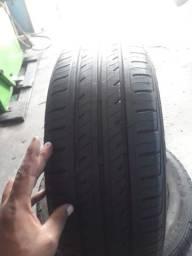 Um pneu 195/55/15 novo