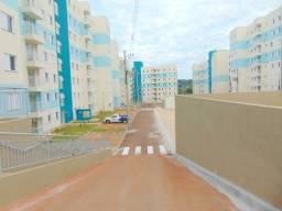 Título do anúncio: Apartamento com 3 quartos para alugar por R$ 870.00, 65.98 m2 - VILA VARDELINA - MARINGA/P