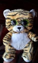 Lindo tigre de pelúcia