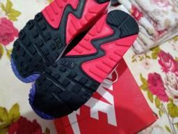 Tênis Nike Original 38 e bota cano médio Cat 38