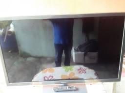 Vendo uma tv 47 polegada Panasonic ela não liga