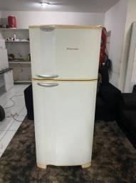 Título do anúncio: Geladeira Electrolux 400ltd Frost Free - Entrega Grátis