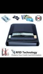Título do anúncio: Carteira para Cartões e dinheiro com bloqueio RFID