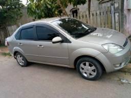 Fiesta sedan 1.6 2006/2007 R$ 15.500 - 2006