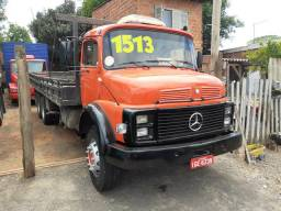MB 1513 Truck Carroceria com pino para container
