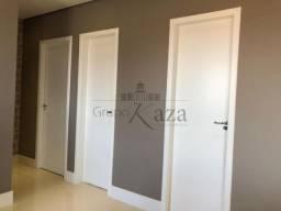 _Lindo Apartamento Padrão Jardim das Industrias / Residencial Splendor Garden