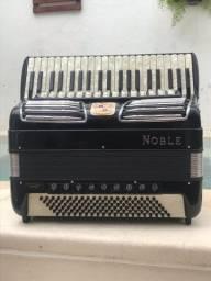 Acordeon Noble 120bx