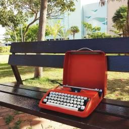 Entrega grátis dentro de Fortaleza Maquina de datilografia antiga - antiguidade