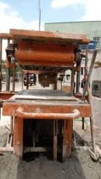 máquina de fazer blocos e canaletas