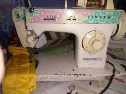 Máquina de Costura Singer 220