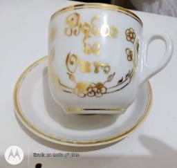Xícaras de chá de porcelana bodas de Ouro