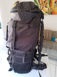 Vendo mochila de viagem