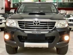 Toyota Hilux Cabine Dupla Aro 17 controle de tração 4P