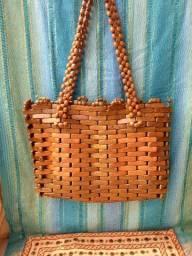 Bolsa em madeira