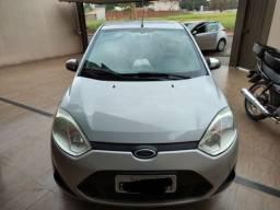 Fiesta sedan 1.6 novíssimo