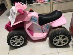 Moto infantil motorizada