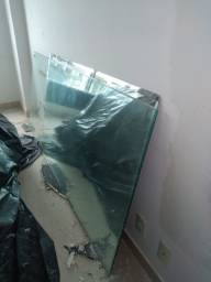Espelho e porta de vidro