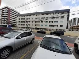 Vende-se ou aluga-se apartamento em ótima localização em Manaíra