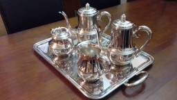 Título do anúncio: Lindo Conjunto Novo De Chá  e Café Em Prata Wolff