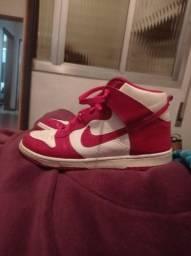 Tênis Nike SB dunk high Red