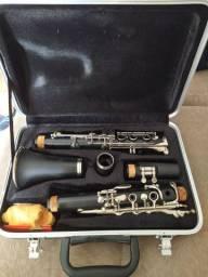 Vendo clarinete Royden seminovo R$ 900,00