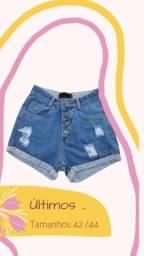 Short jeans botões