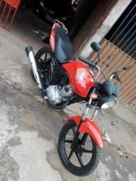 Título do anúncio: Vende-se essa moto 2010