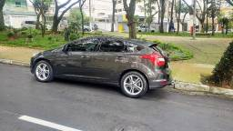 Focus 2.0 SE Hatch - Impecável 2014/15