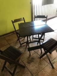 Mesa madeira com 4 cadeiras