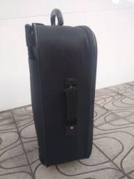 Vende se essa mala de viagem, tamanho Medio